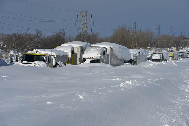 trucks stuck in snow buffalo ny